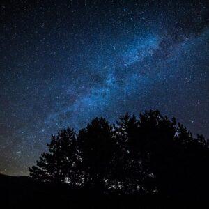 notturna lago nero